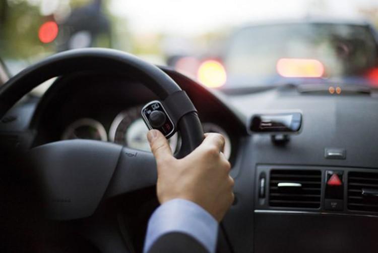 Беспроводное устрйство связи для автомобилистов