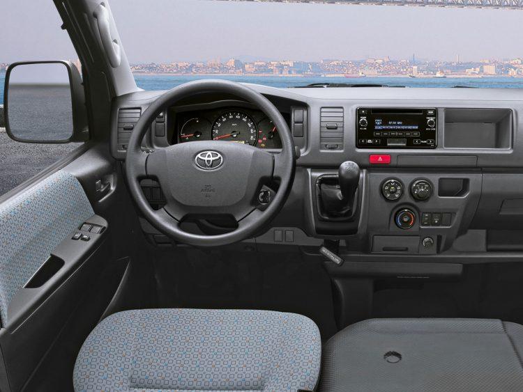 Комплектации и цены Toyota Hiace 2016-2017 года