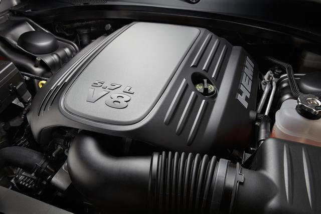 Сердце нового Чарджера двигатель V8