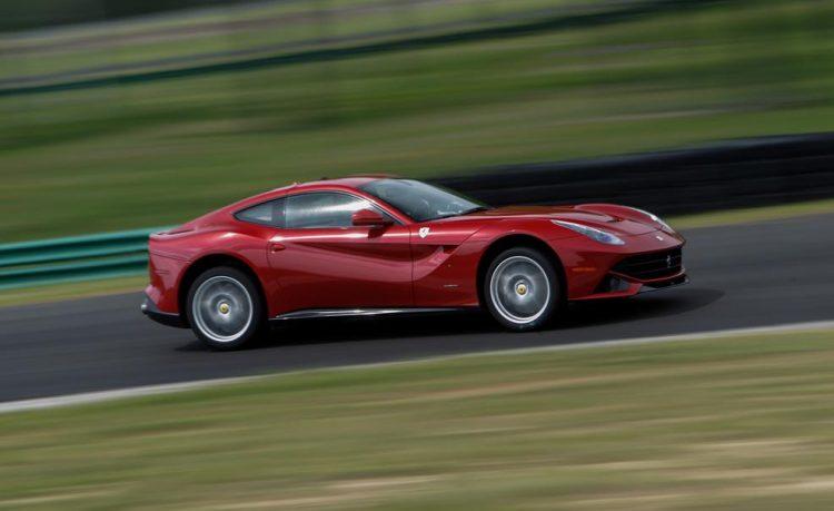 Невообразимая и очень красивая Ferrari F12berlinetta