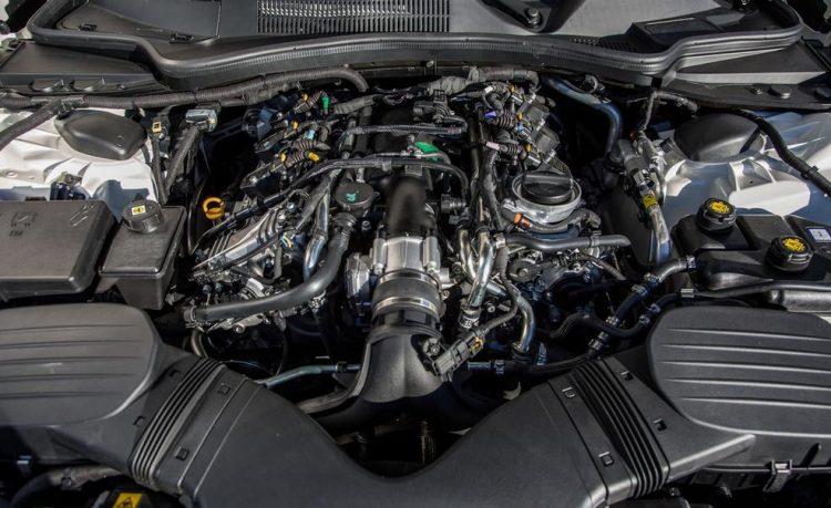 Трехлитровый V6 битурбо двигатель Maserati Ghibli S Q4