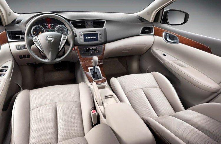 Интерьер Nissan Sentra 2020-2021 года