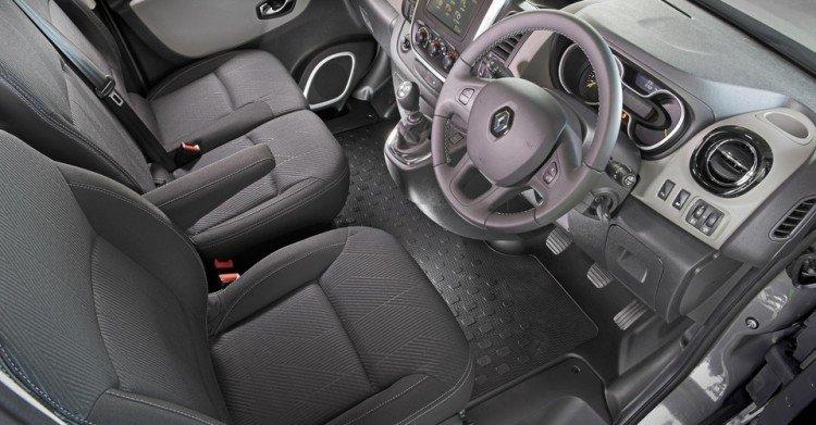 Внутри Renault Trafic