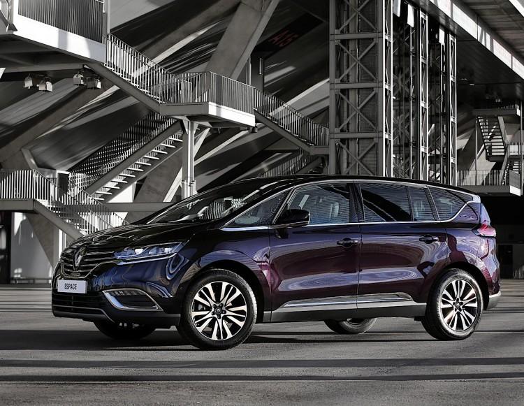 Особенности Renault Espace 2017-2018 модельного года