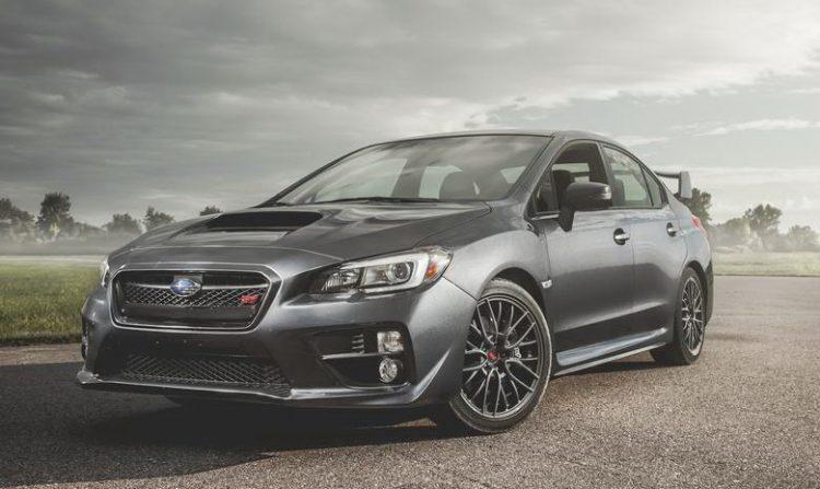 Subaru WRX STI можно отличить по спойлеру