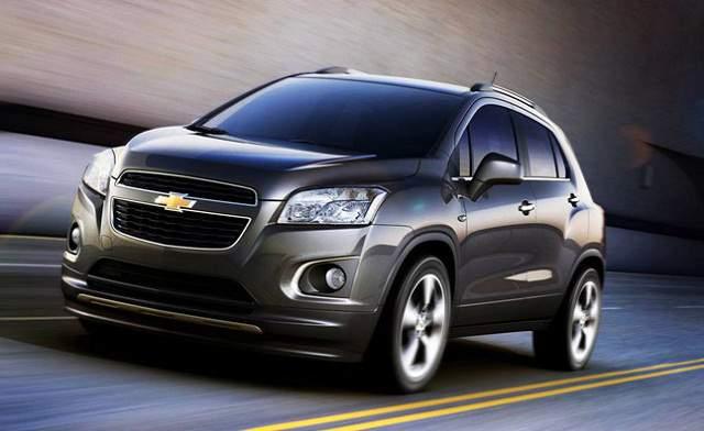 На фотоснимке - Chevrolet Captiva 2016-2017 года в новом кузове