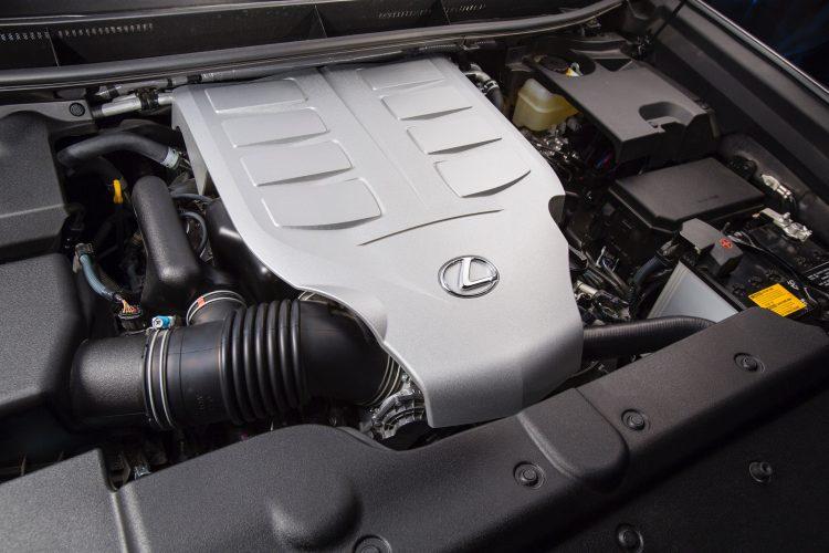 В России только одна версия двигателя для Lexus GX460