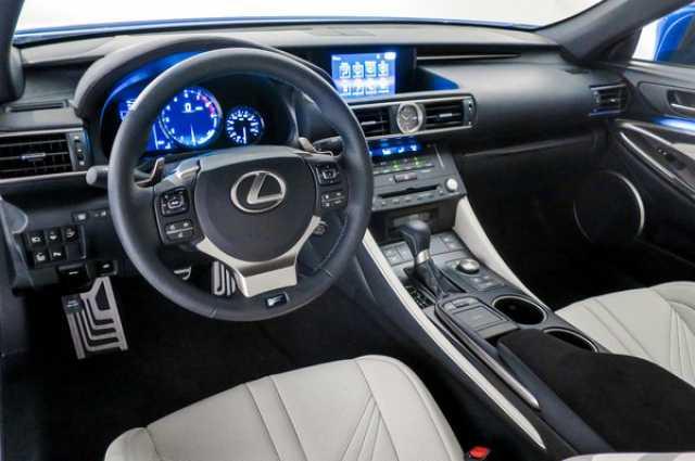Интерьер Lexus RX 350 2017