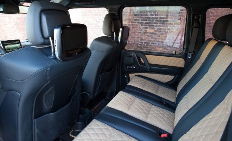 Пассажиры могут быть довольны простором и комфортом заднего ряда