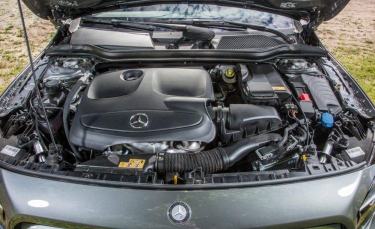 Двигатель нового Mercedes-Benz GLA 250 4 Matic