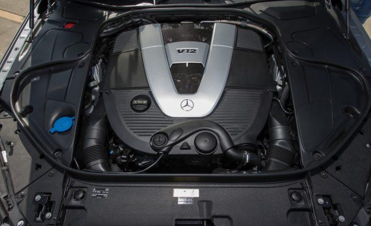 Под капотом у S600 двигатель V12 в 530 л.с.