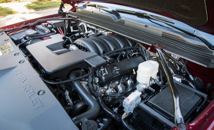 Двигатель V8 мощностью в 409 л.с. и моментом 610Hm