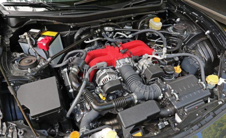 Двухлитровый оппозитный двигатель FA