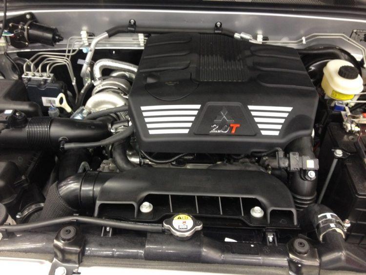 Турбированный двигатель Mitsubishi под капотом