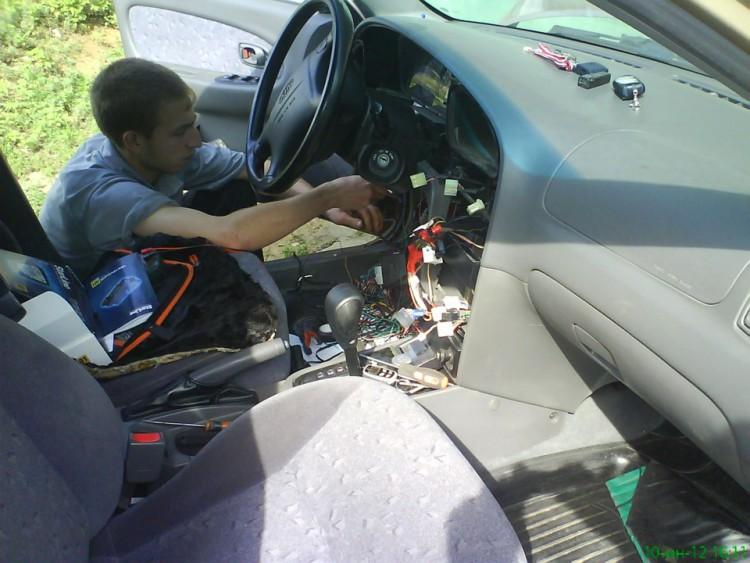 Процесс установки сигнализации с автозапуском