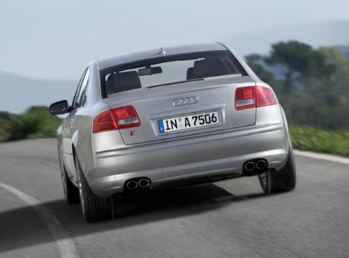 Тестируем Audi S8 на треке