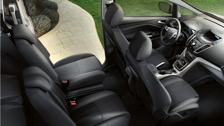 Также в Grand C-MAX есть третий ряд сидений