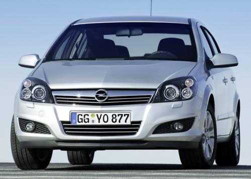 Классический семейный седан Opel Astra Family