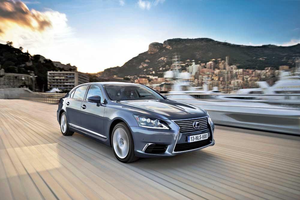 Победителем 2012 года стал Lexus