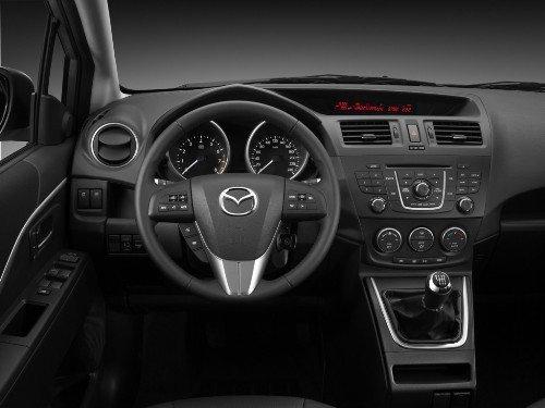 Передняя панель Mazda5 – все просто и понятно