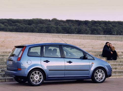Минивэн для семьи Ford Focus C-MAX