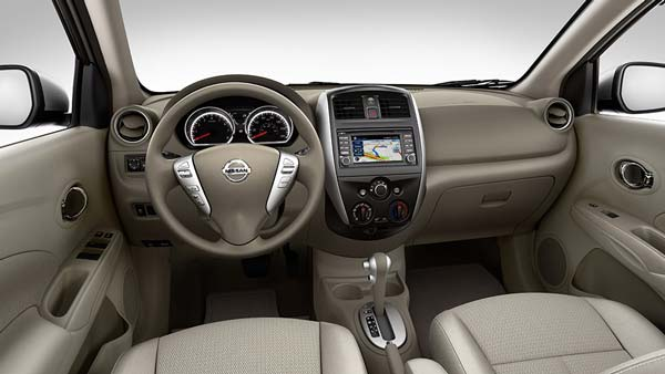 Лаконичный интерьер Nissan Almera 2016-2017