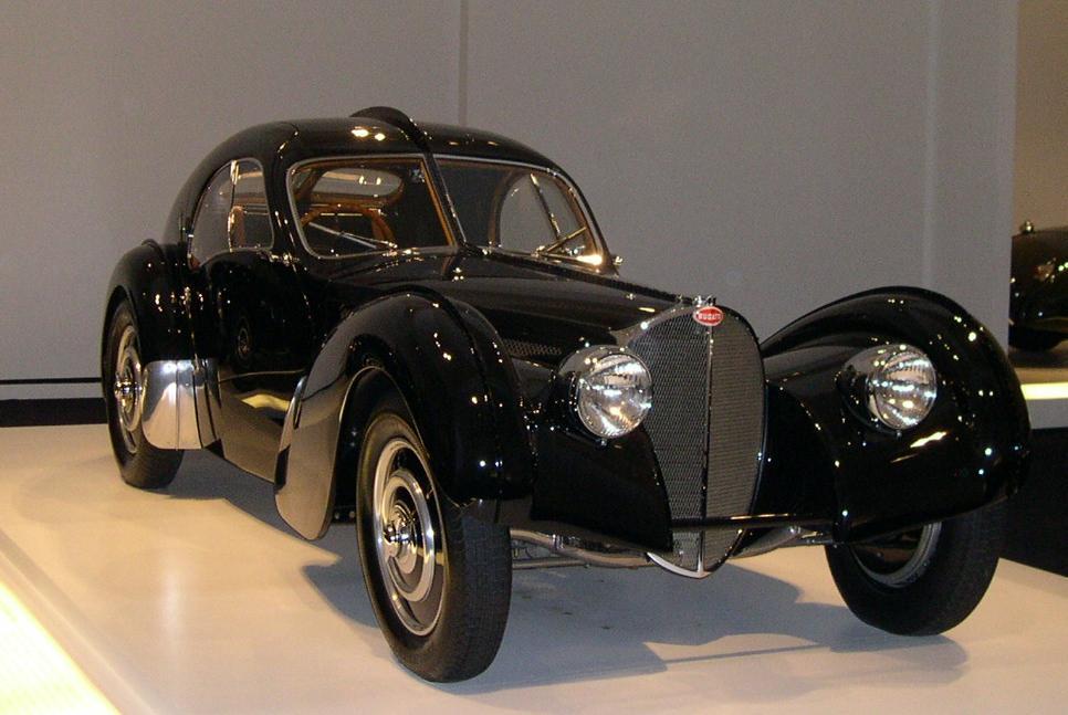 Bugatti Type 57SC Atlantic - самый дорогой ретро автомобиль 2010 года