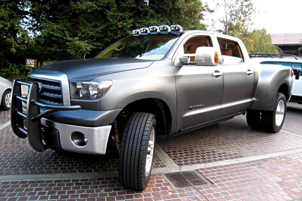 Toyota Tundra фото
