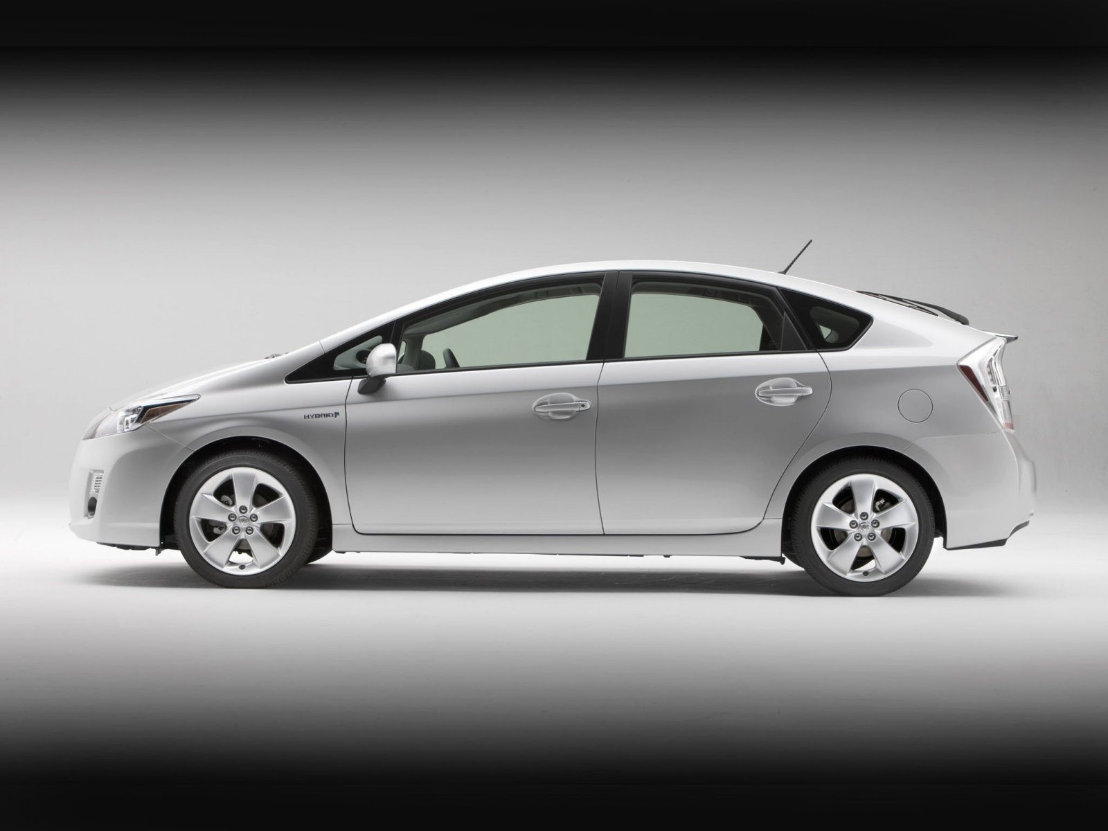 Хетчбэк Toyota Prius