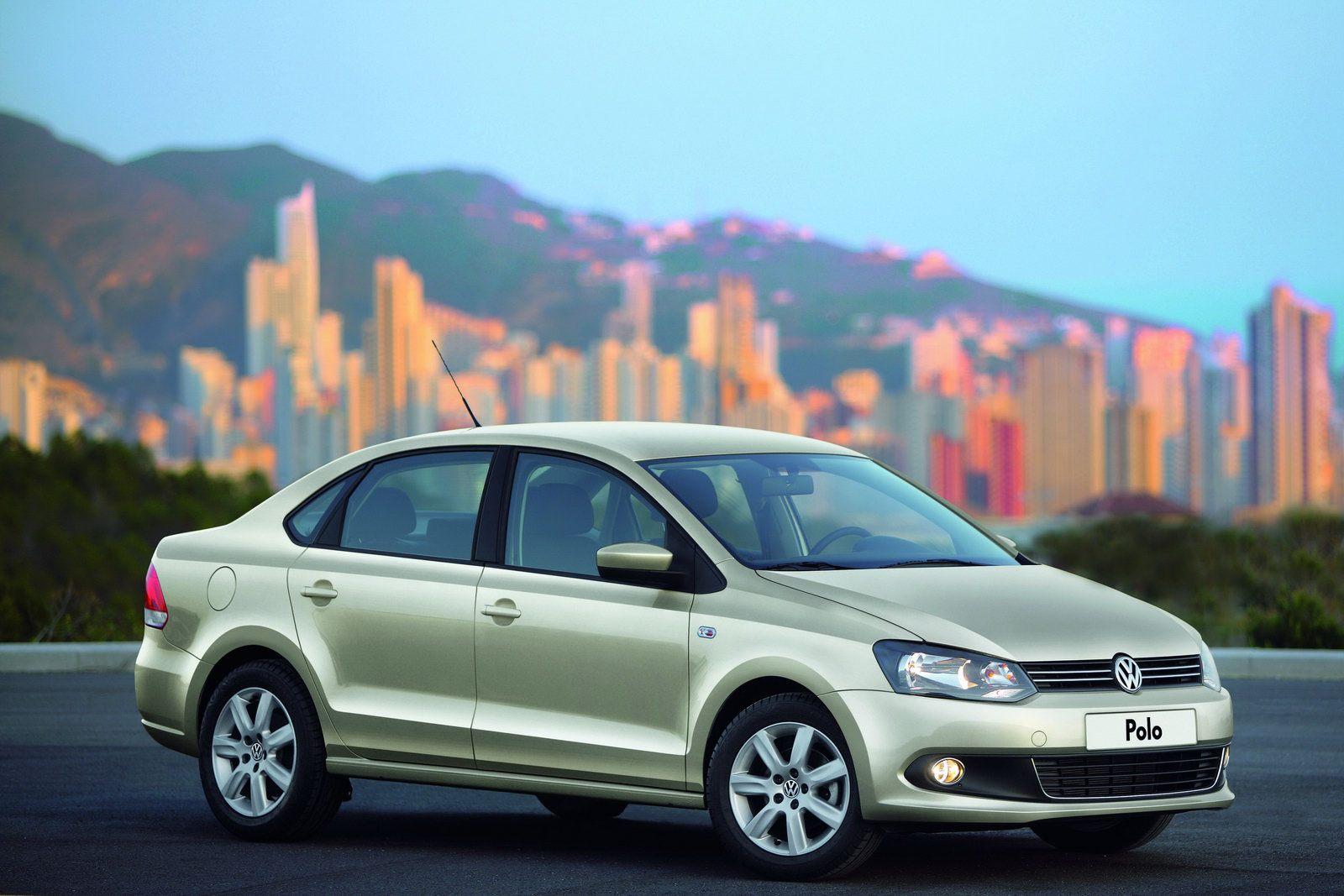 Volkswagen Polo внушает своими габаритами