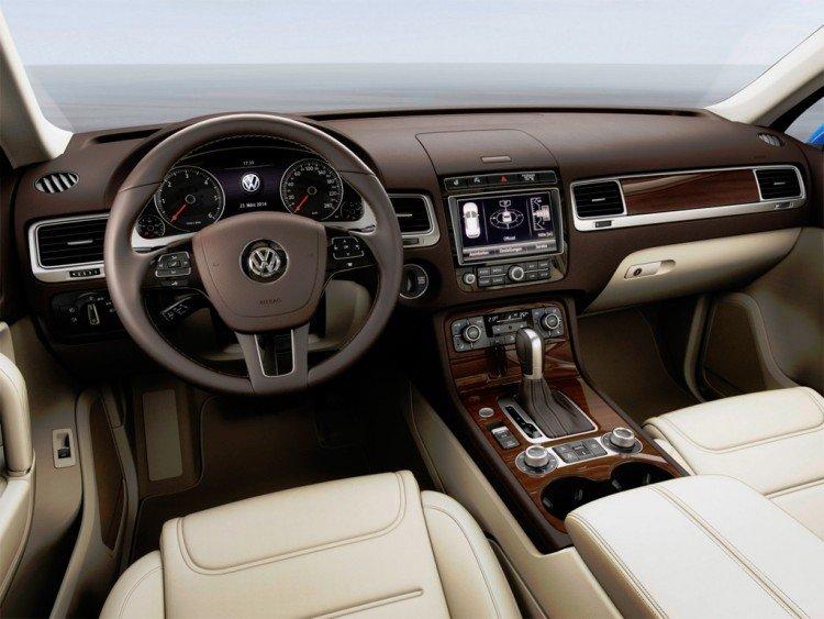 Салон Volkswagen Touareg (2016-2017)