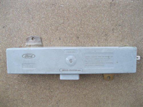Антенный блок для крепления на задней полке