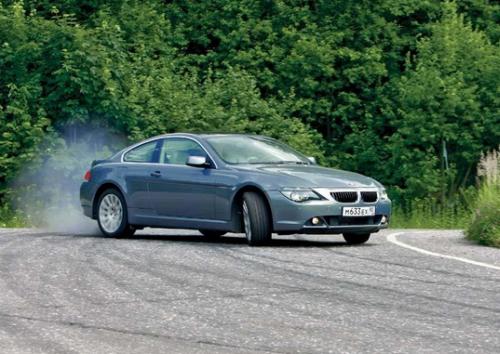 Тормозить при помощи коробки передач следует правильно, иначе возможен занос автомобиля