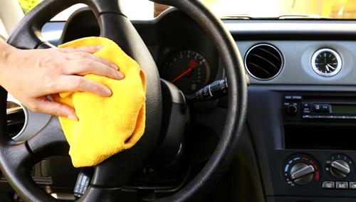 После химчистки ваш автомобиль изнутри будет так же идеален, как снаружи