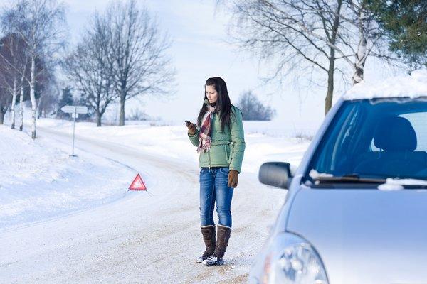 Бывают моменты, когда автомобиль по каким-то причинам глохнет и не заводится