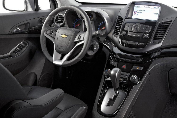 Интерьер салона Chevrolet Orlando