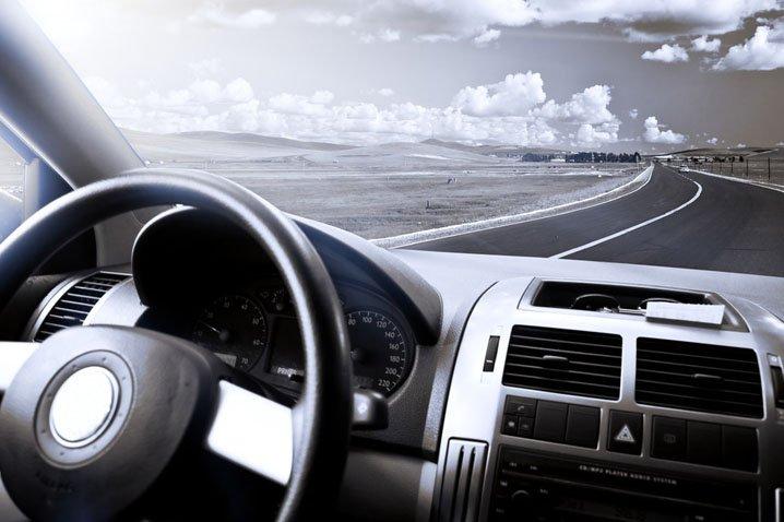 Чистые стекла автомобиля - залог безопасности при вождении автомобиля