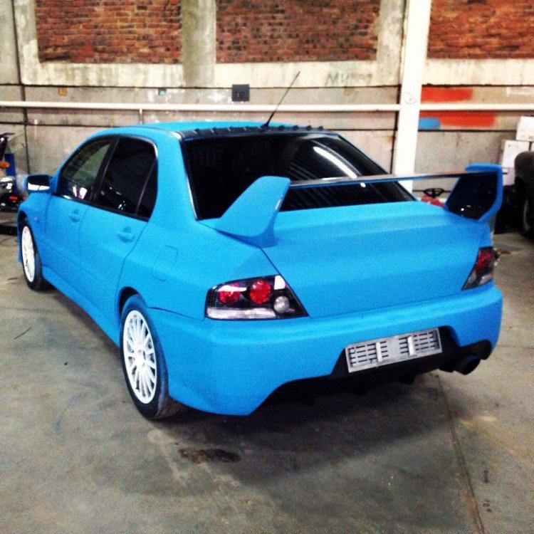 Авто, обработанное резиновой краской