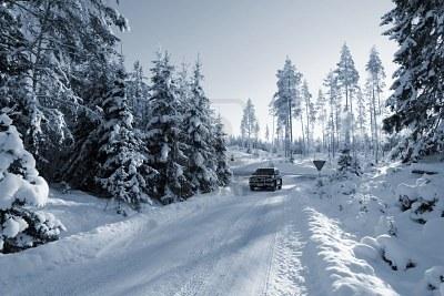 На таких дорогах всесезонные шины не обеспечат требуемой безопасности и комфорта