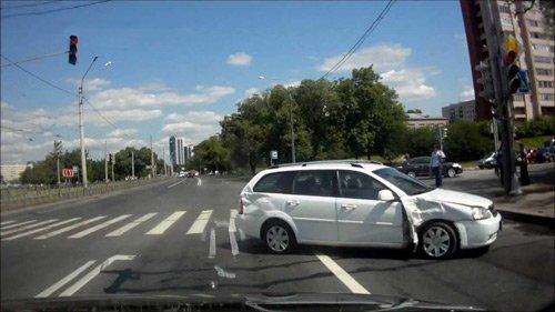 Сейчас в сети Интернет достаточно много видео подборок аварий на видеорегистратор