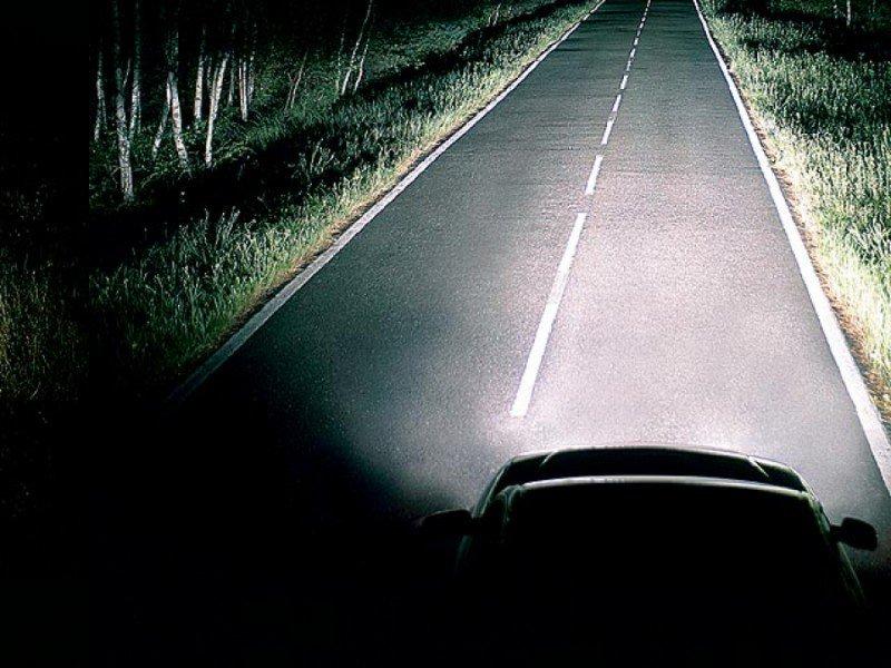 Включенные фары ночью могут спасти вашу жизнь