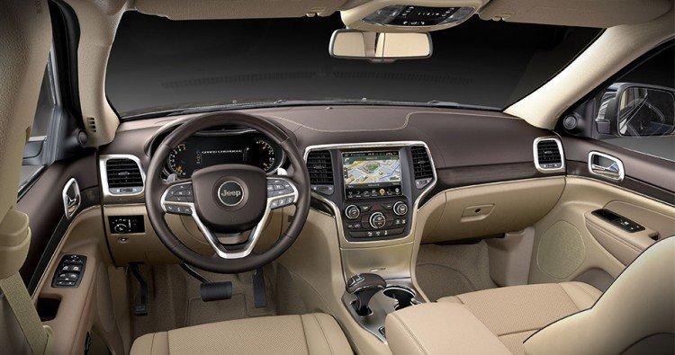 Заглянем в салон внедорожника  Jeep Grand Cherokee 2020-2021 года