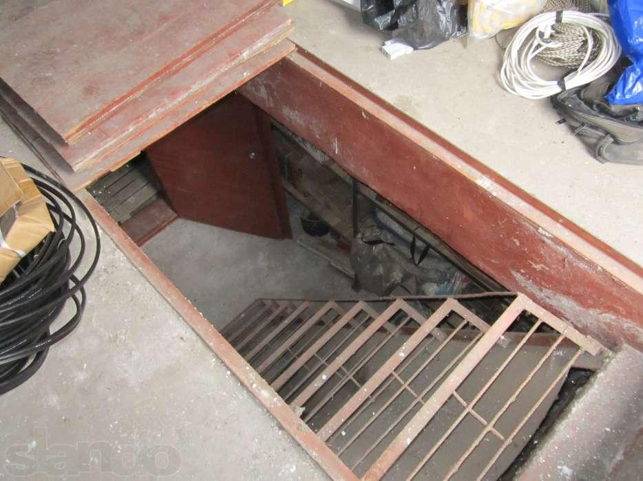 В кирпичном гараже можно сделать овощную или смотровую яму