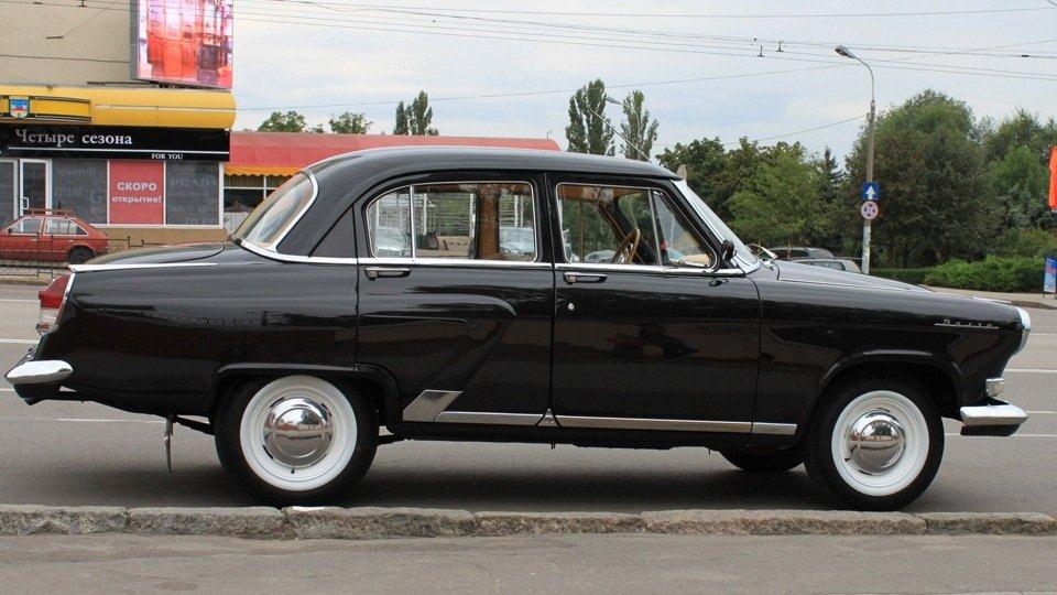 Волга имела более сложную пластику кузова чем Победа