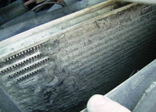 Загрязненный снаружи радиатор