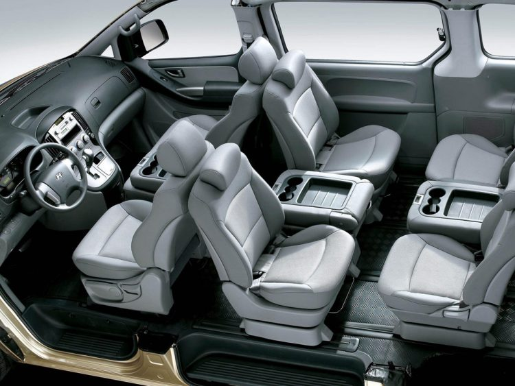 Кресла каждого из пассажиров могут вращаться вокруг своей оси