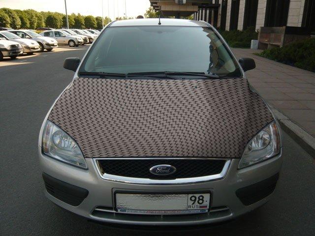 Карбоновый капот автомобиля