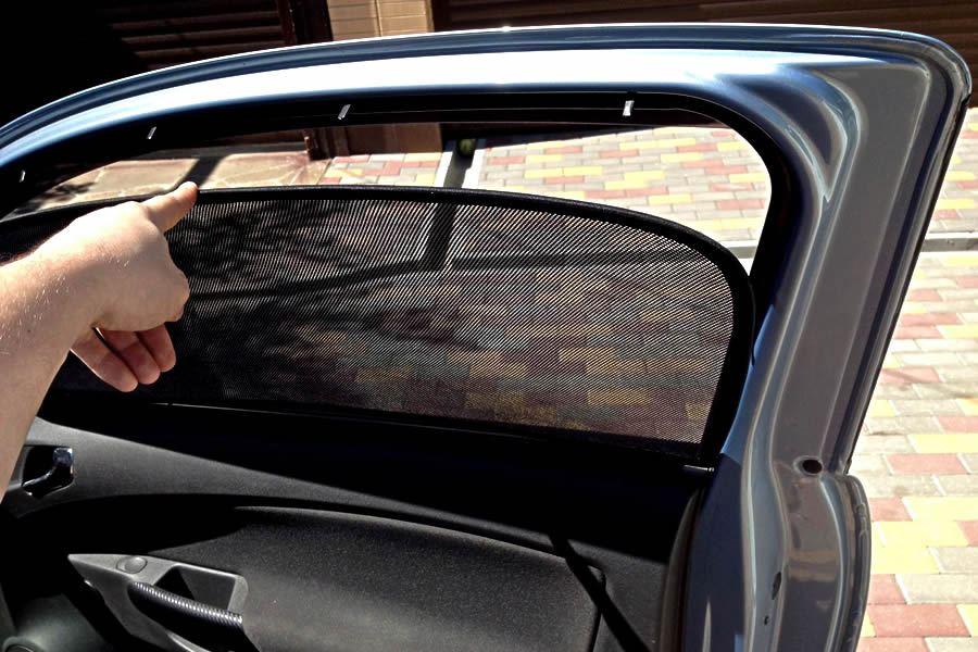 Шторки на автомобильные стекла на магнитах
