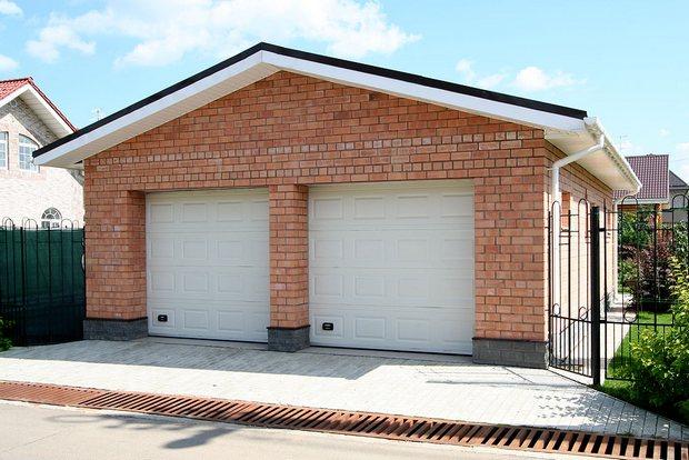 Кирпичный гараж - надежный и безопасный