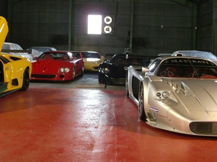 Ваш гараж может быть выглядеть как коллекционная выставка машин